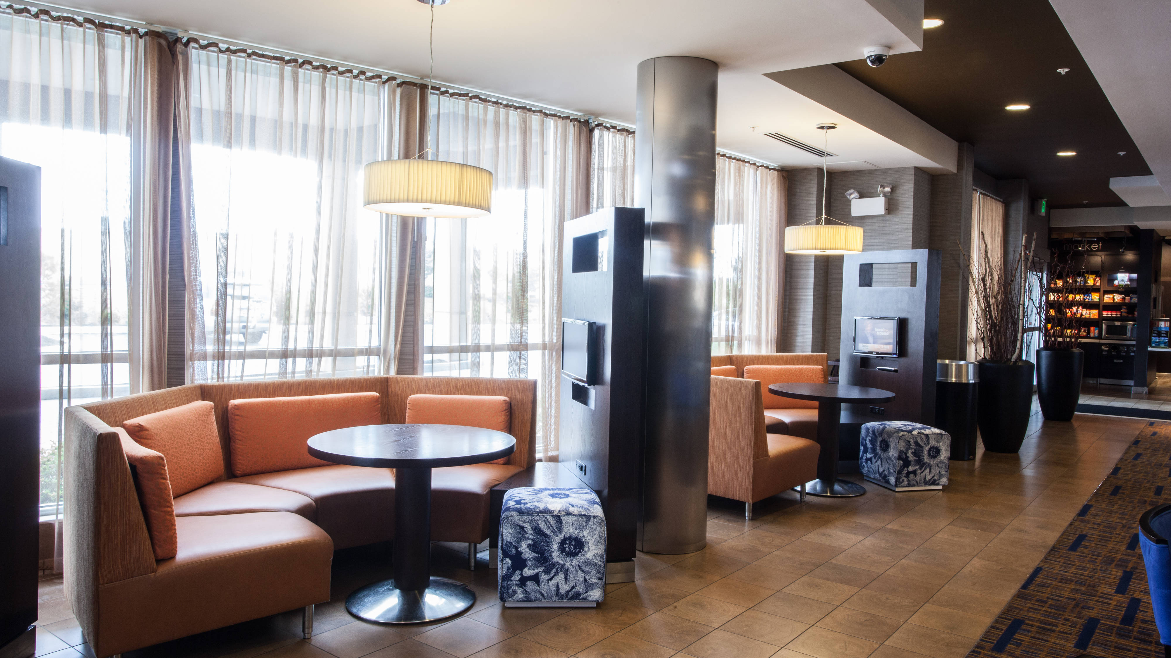 Courtyard By Marriott Pods