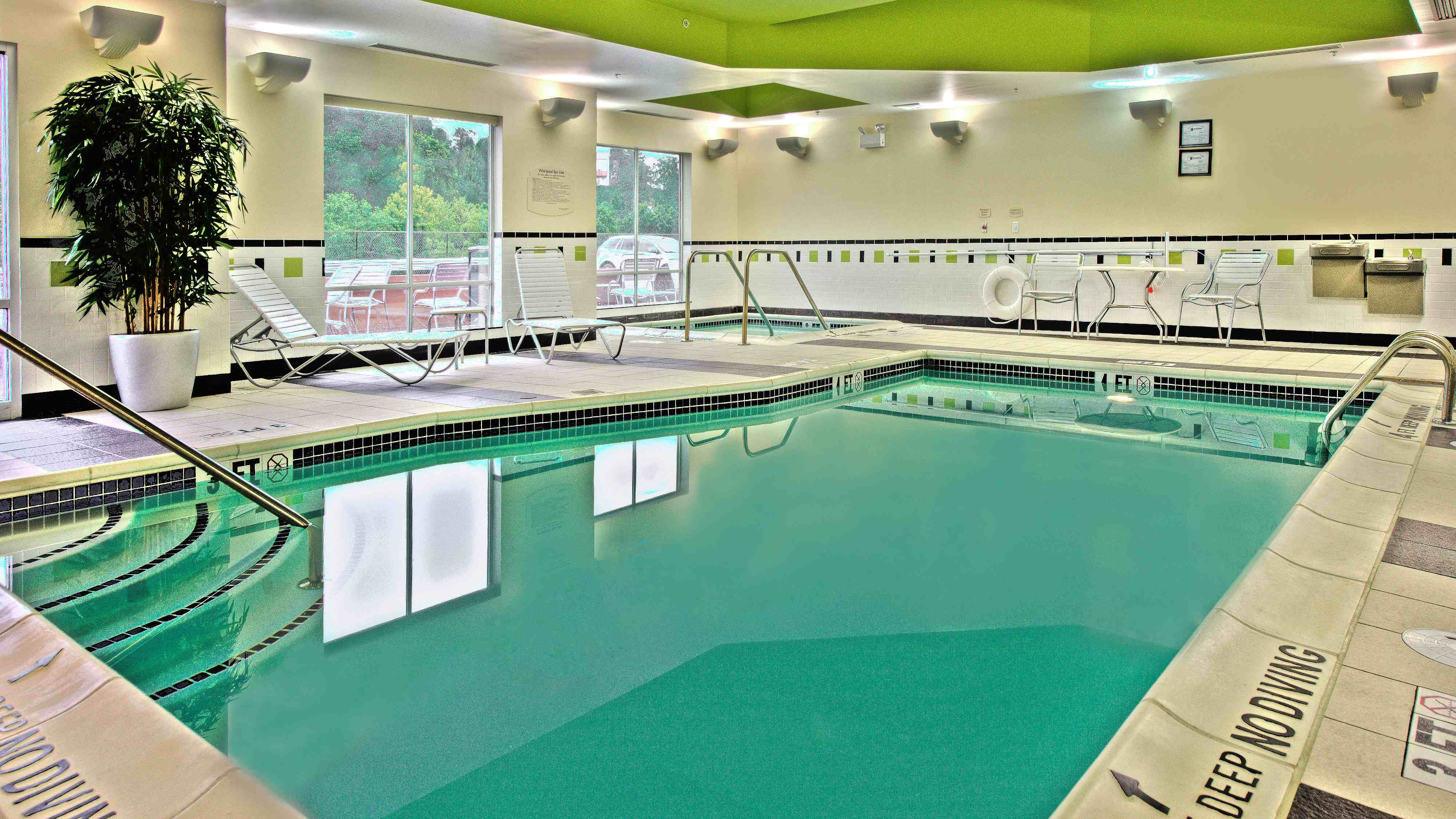 Fairfield Inn & Suites New Cumberland Hotel Pool