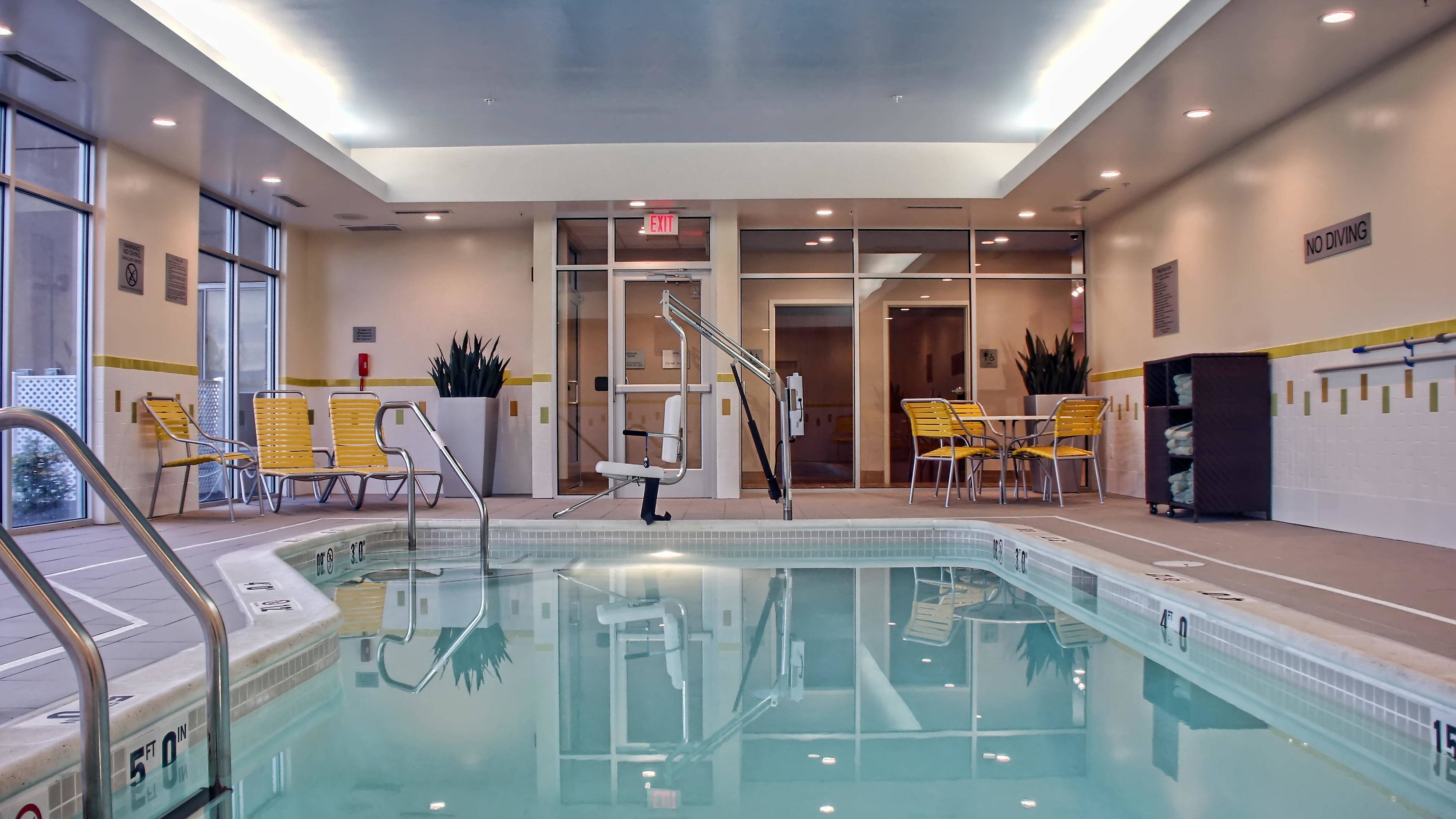 Fairfield Inn & Suites Reading Hotel Pool