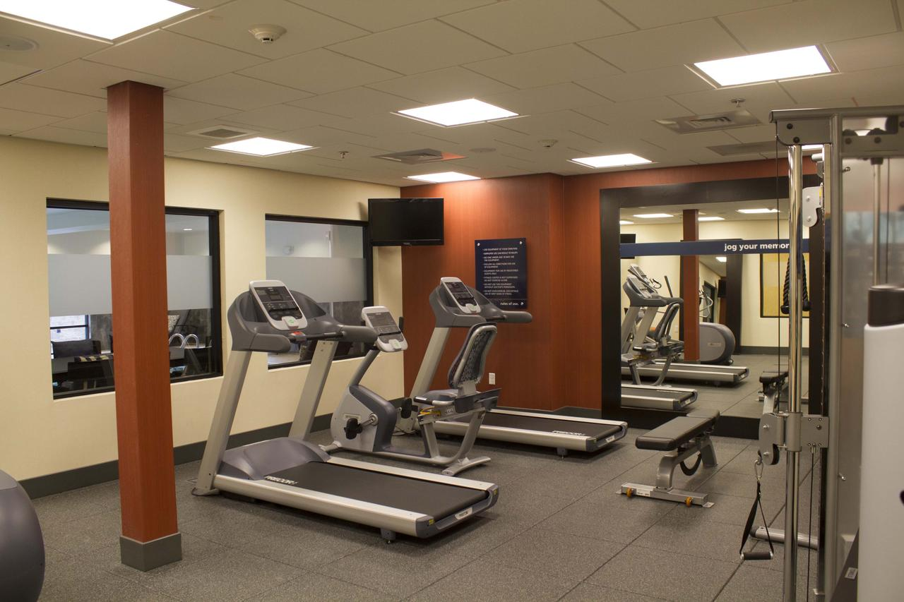 Hampton Inn & Suites Harrisburg Hotel Gym