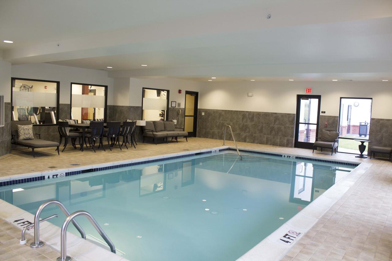 Hampton Inn & Suites Harrisburg Hotel Pool
